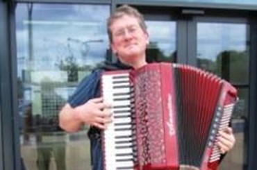 Learn to play the Piano Accordion